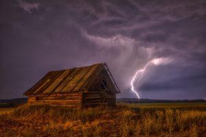 lightning-barn